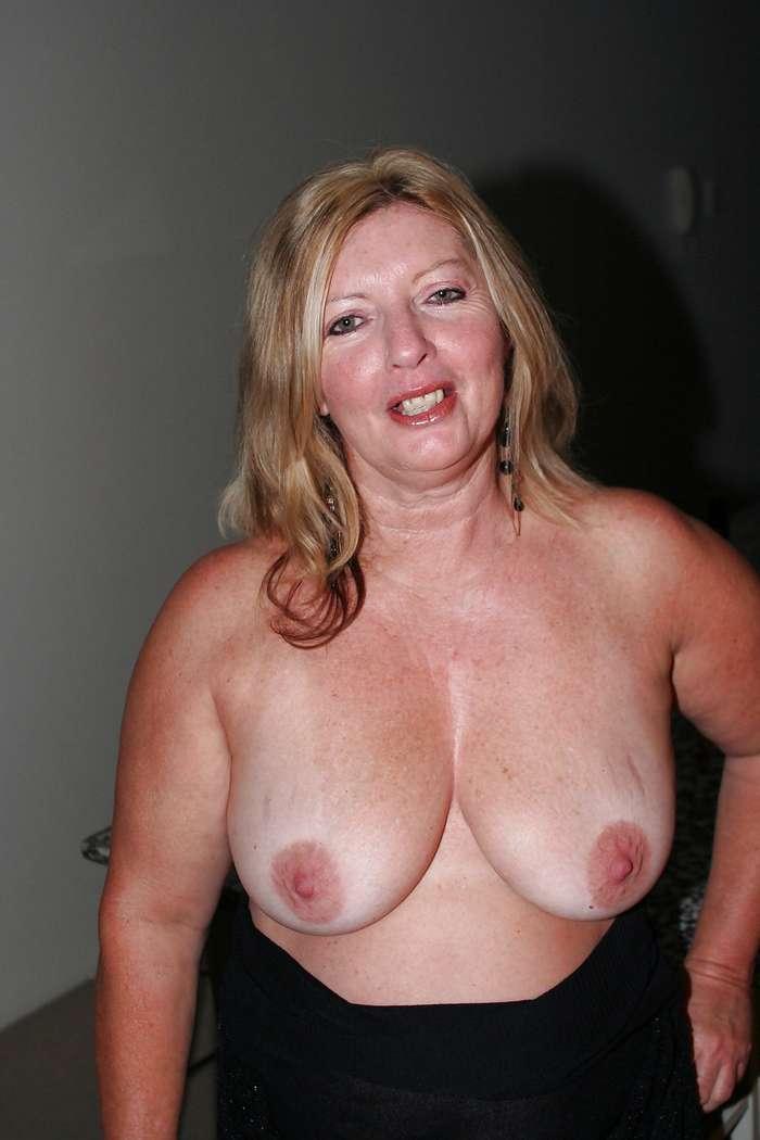 mature gros seins nue (2)
