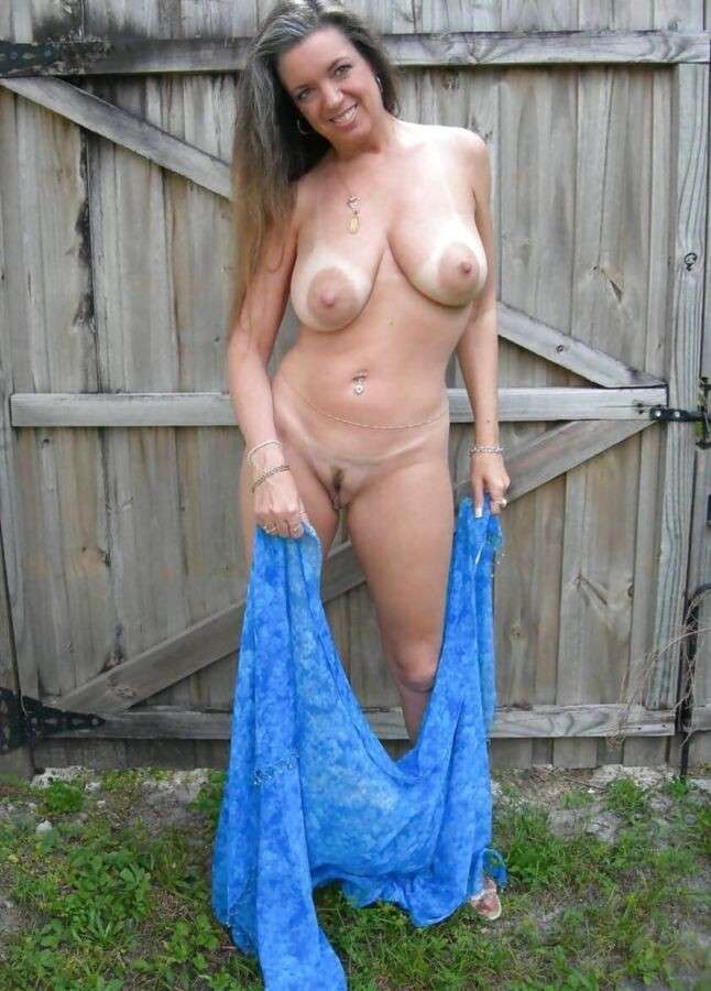 image Sexy mature with unbelievable boobs