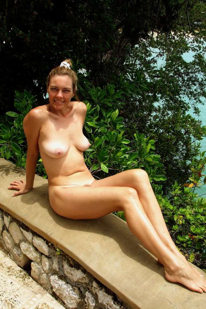 salope exhibe nue (5)