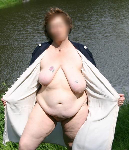 oldest sexy nacket lady