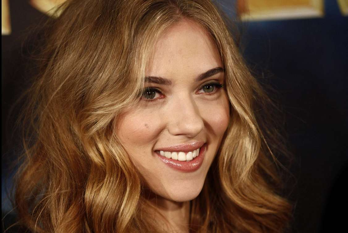 Scarlett Johansson a poils (1)