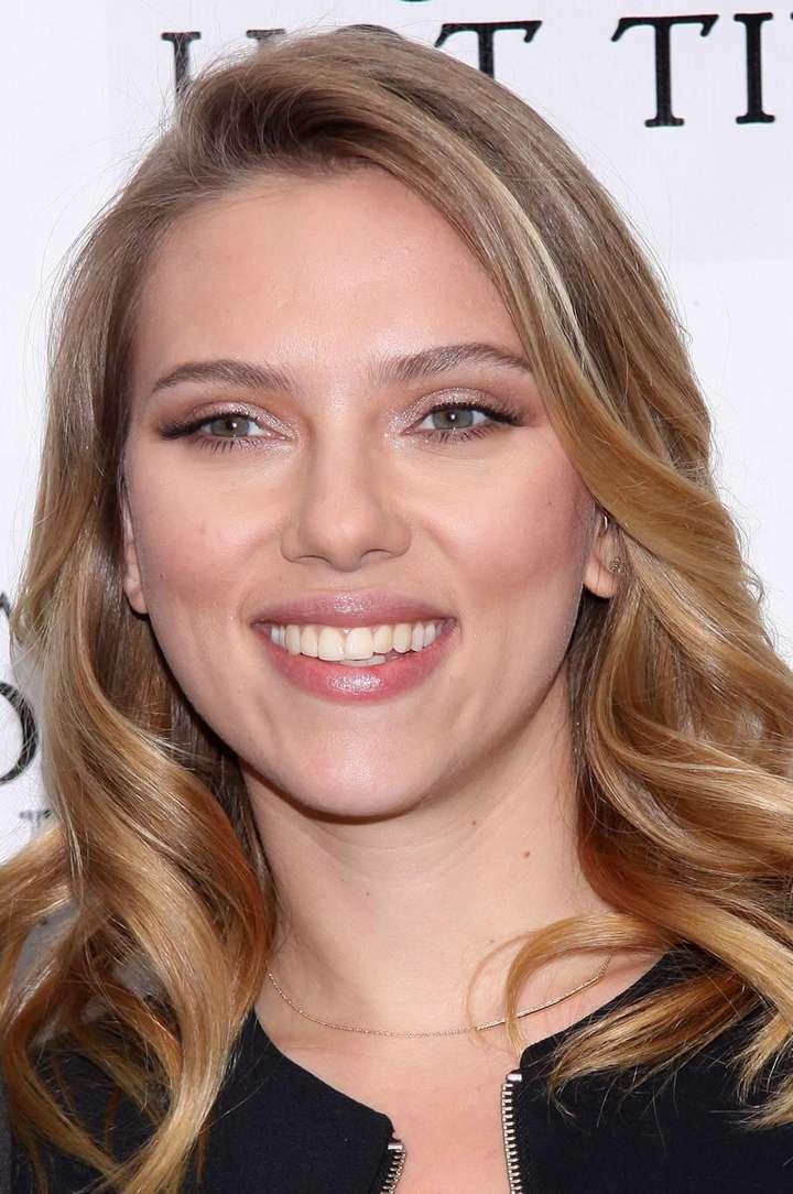 Scarlett Johansson a poils (13)