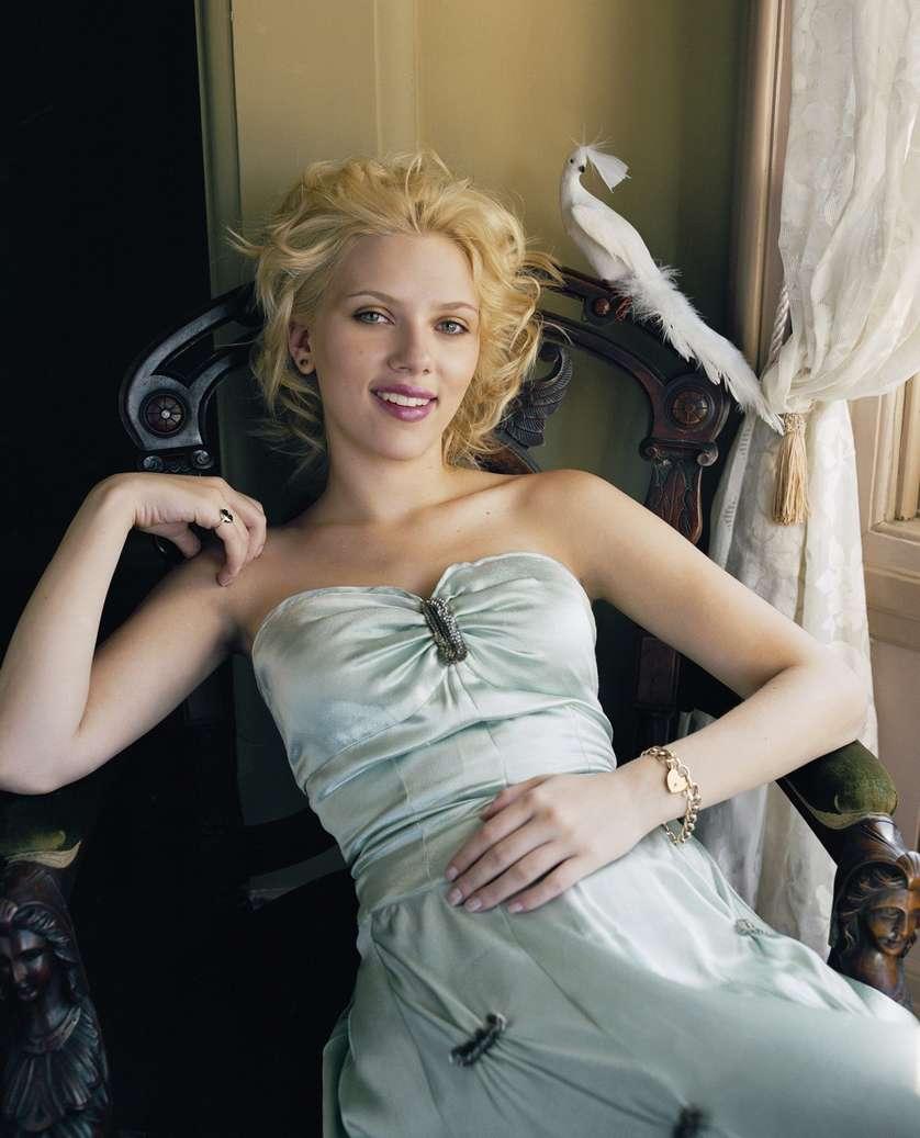 Scarlett Johansson a poils (14)