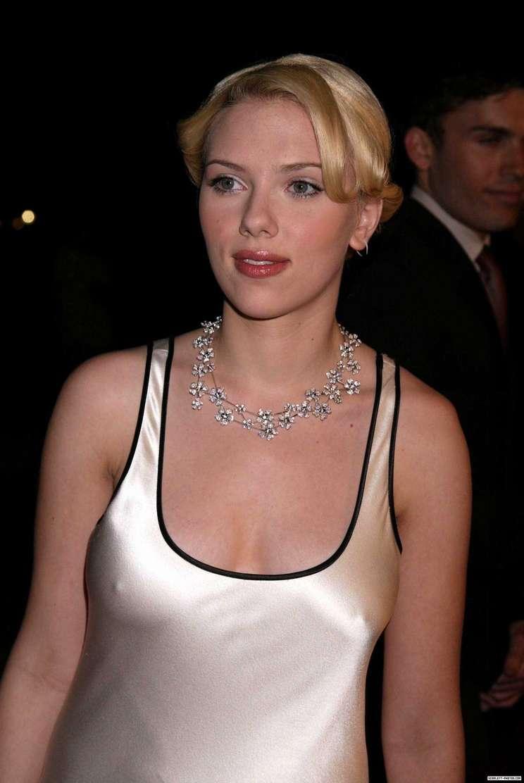 Scarlett Johansson a poils (18)