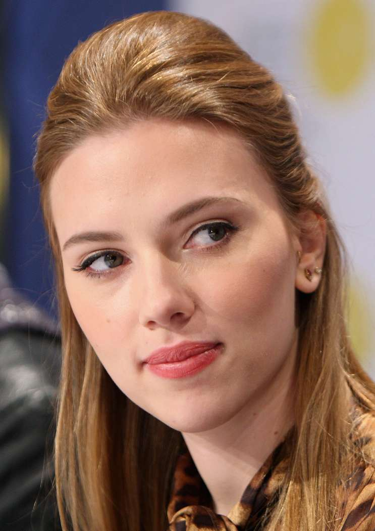 Scarlett Johansson a poils (2)