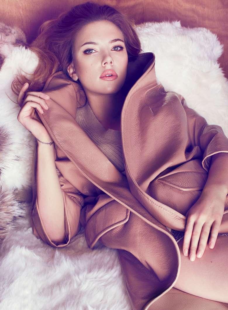 Scarlett Johansson a poils (26)