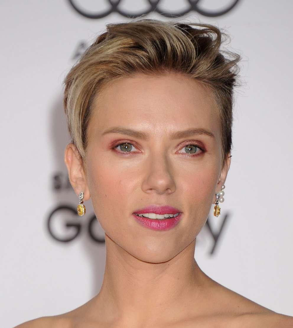 Scarlett Johansson a poils (5)