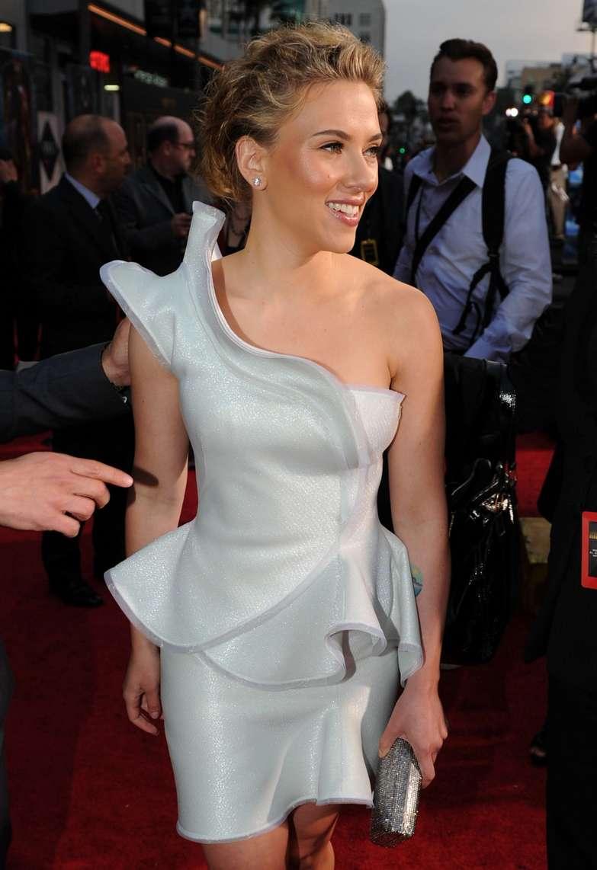 Scarlett Johansson a poils (6)