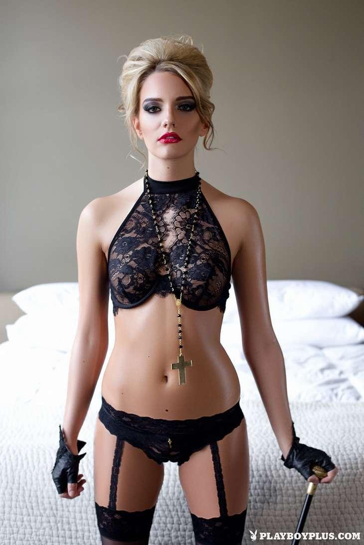 blonde bonasse tenue sexy nue (107)