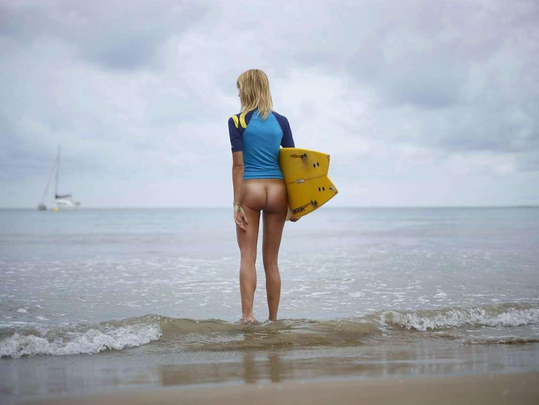 blonde cul nu surfeuse (108)