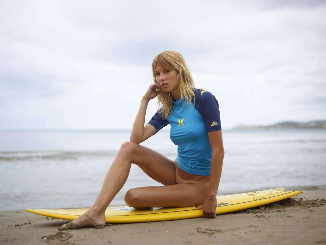 blonde cul nu surfeuse (120)