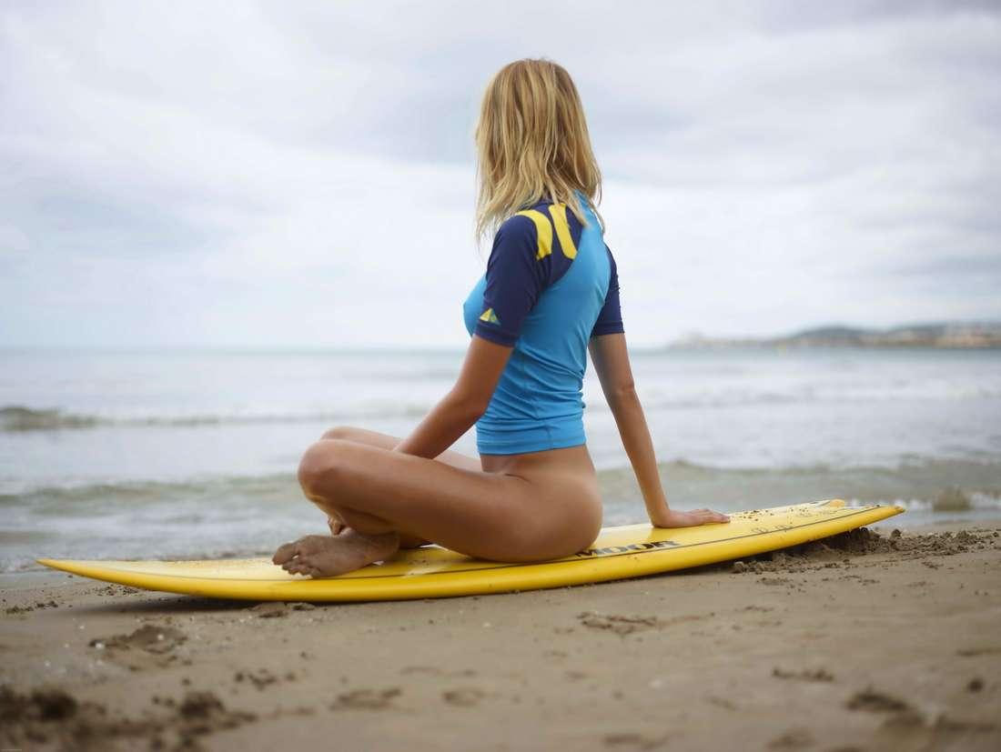 blonde cul nu surfeuse (122)