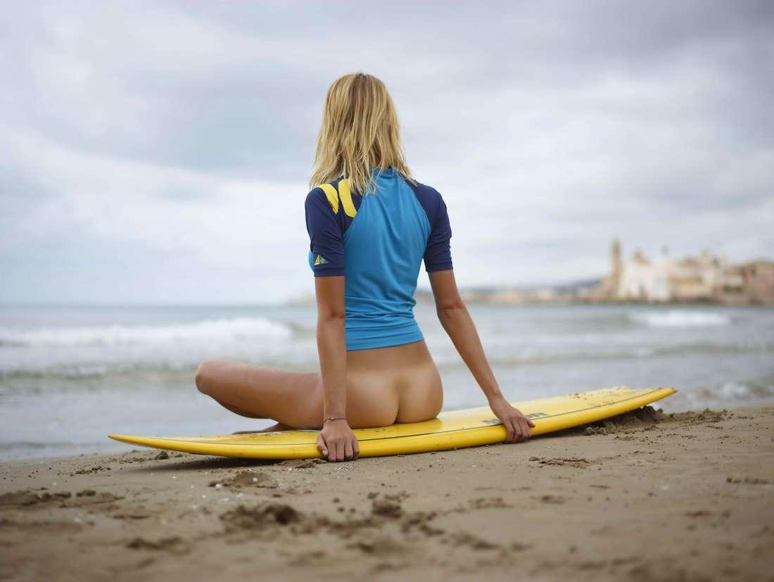 blonde cul nu surfeuse (123)