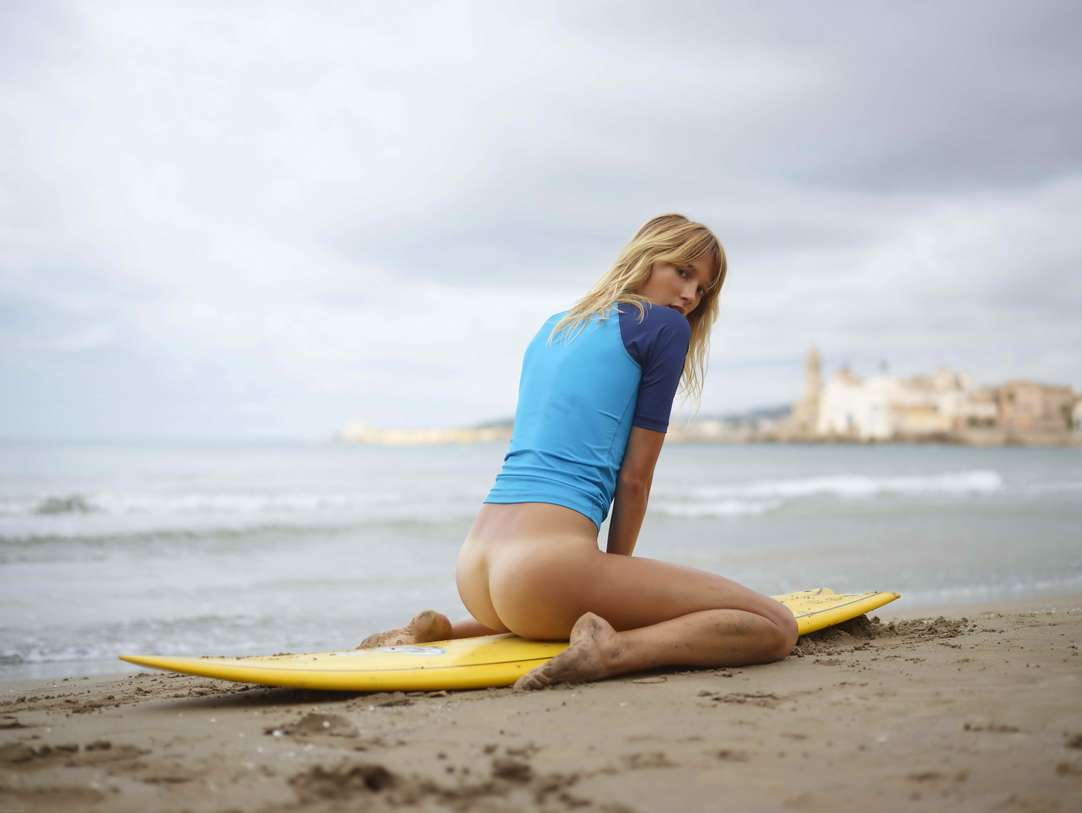 blonde cul nu surfeuse (127)