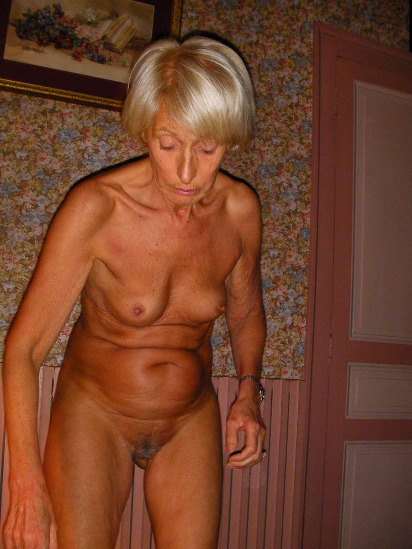 bourgeoise mature exhibe nue (15)