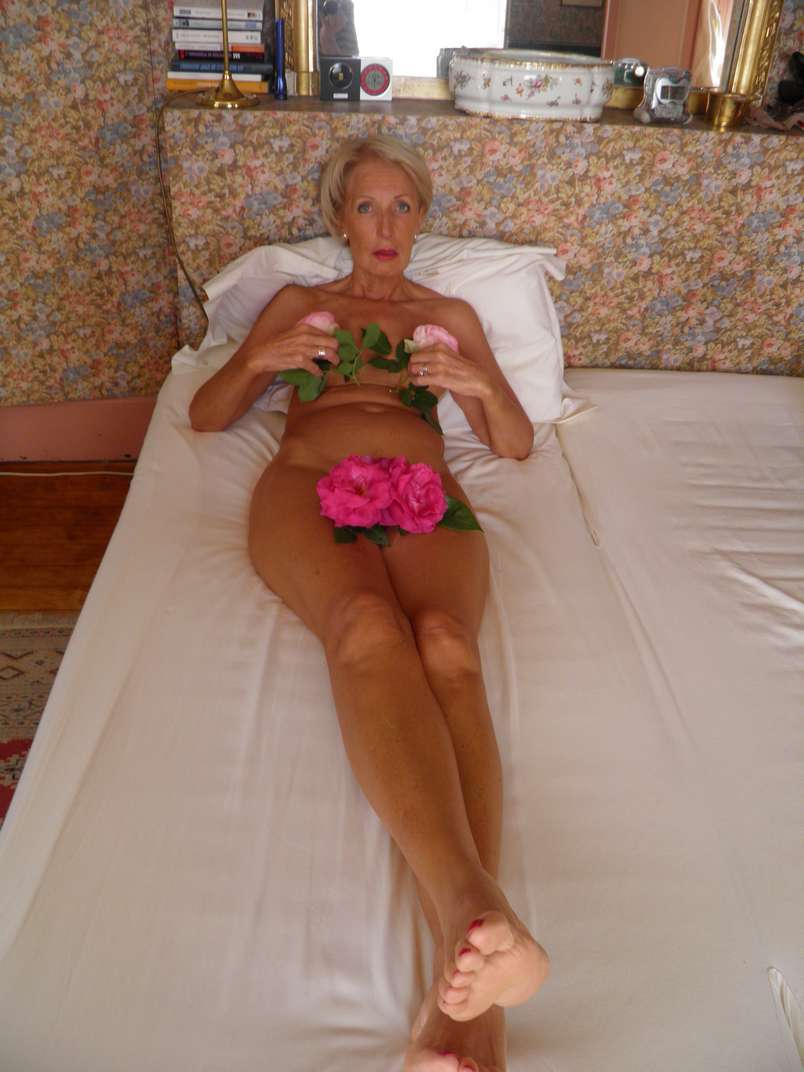 bourgeoise mature exhibe nue (20)