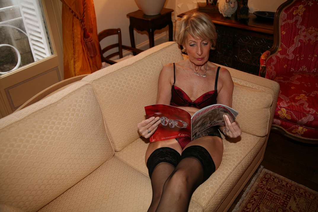 bourgeoise mature exhibe nue (5)