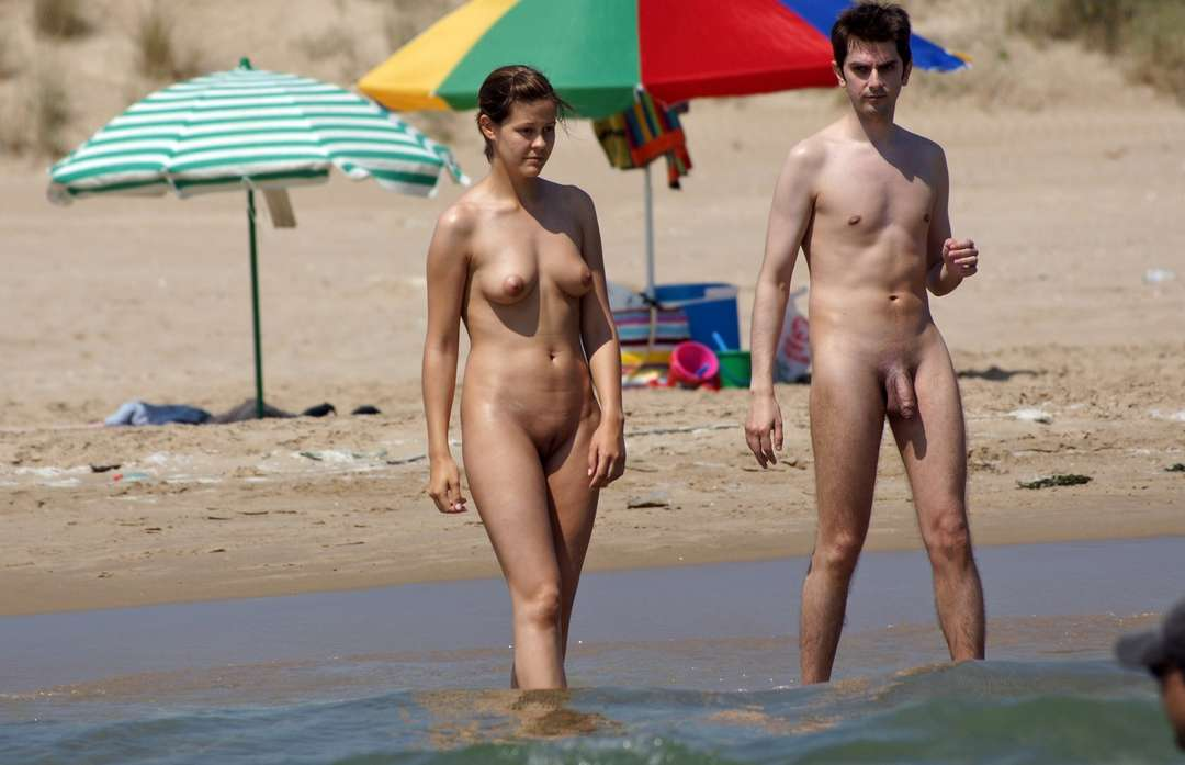 beach massace naked nued