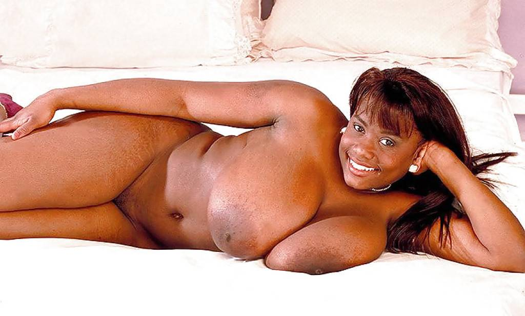 4 femmes africaines nues avec des gros seins   4plaisir