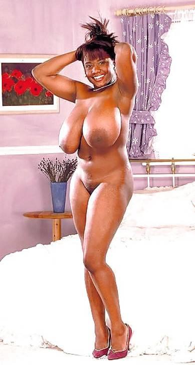femme africaine nue gros nichons (109)