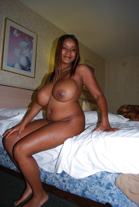 femme africaine nue gros nichons (116)