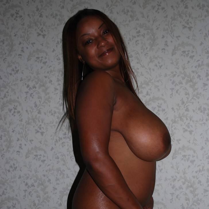femme africaine nue gros nichons (118)