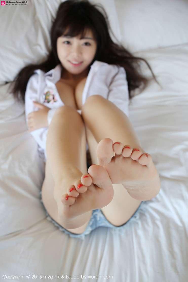 Pied chaude de playboy jeune fille asiatique - vido N5499593