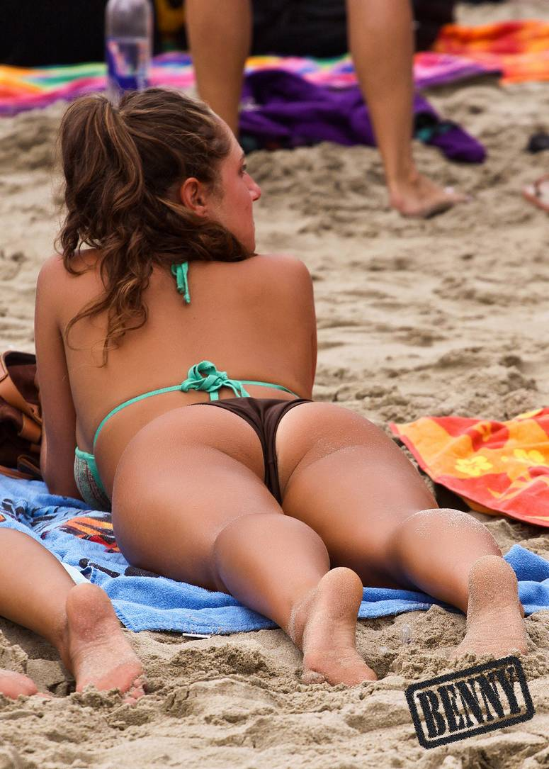fille gros nichons plage (2)