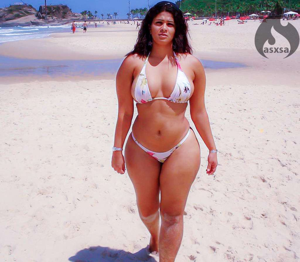 grosse bikini plage (5)