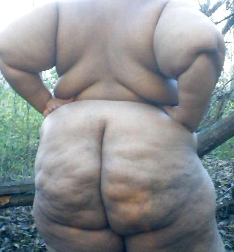 grosse nue au gros cul (8)