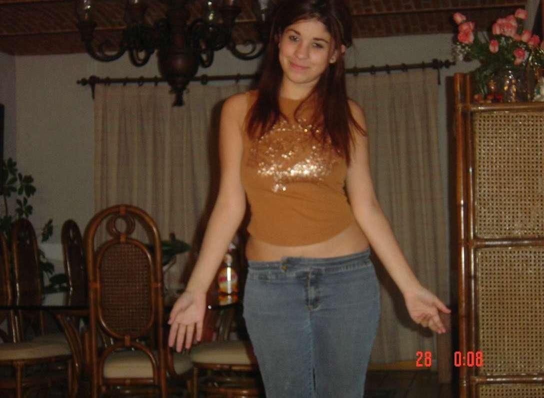 jeune brune gros seins (100)