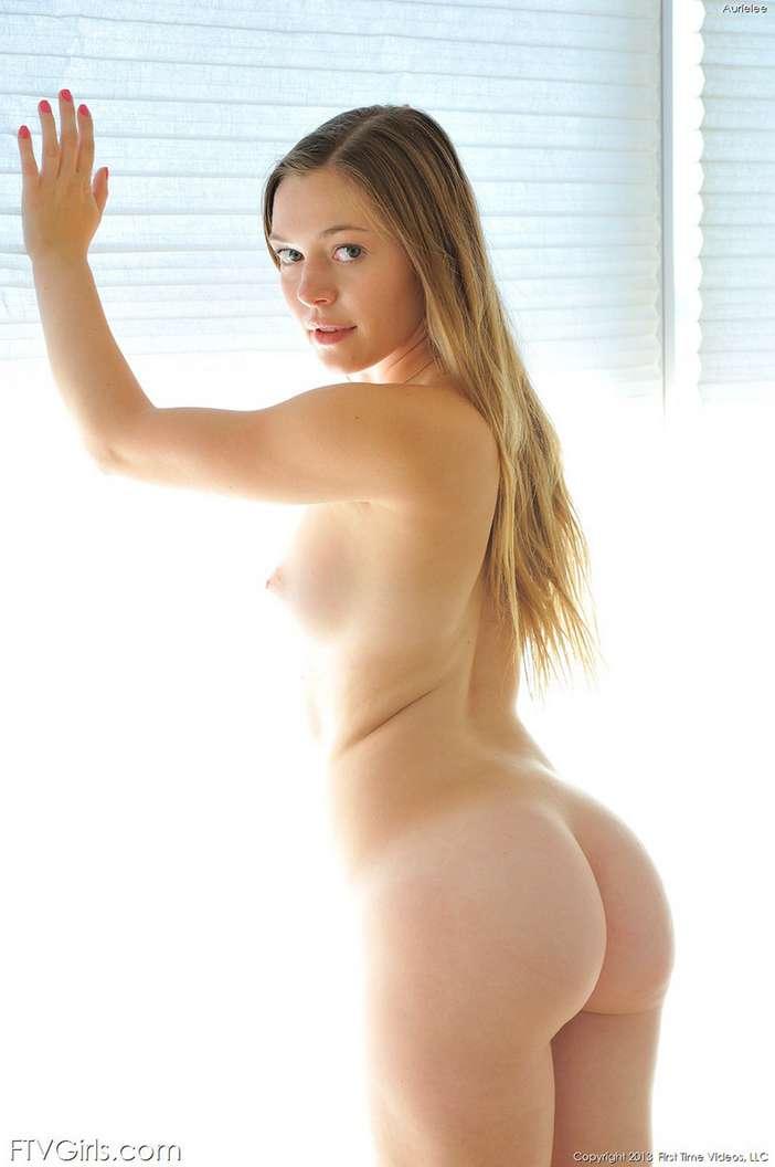 jeune femme petits seins (6)