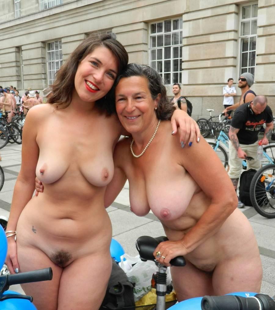 Des Femmes Nues Et Debout Tout Simplement 4plaisir Com