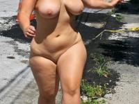 Des femmes nues et… debout, tout simplement !