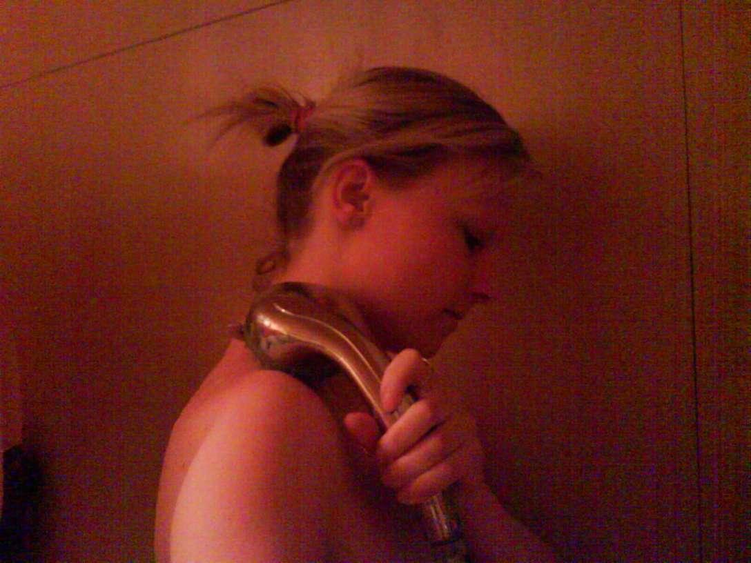teen blonde nue selfie (9)