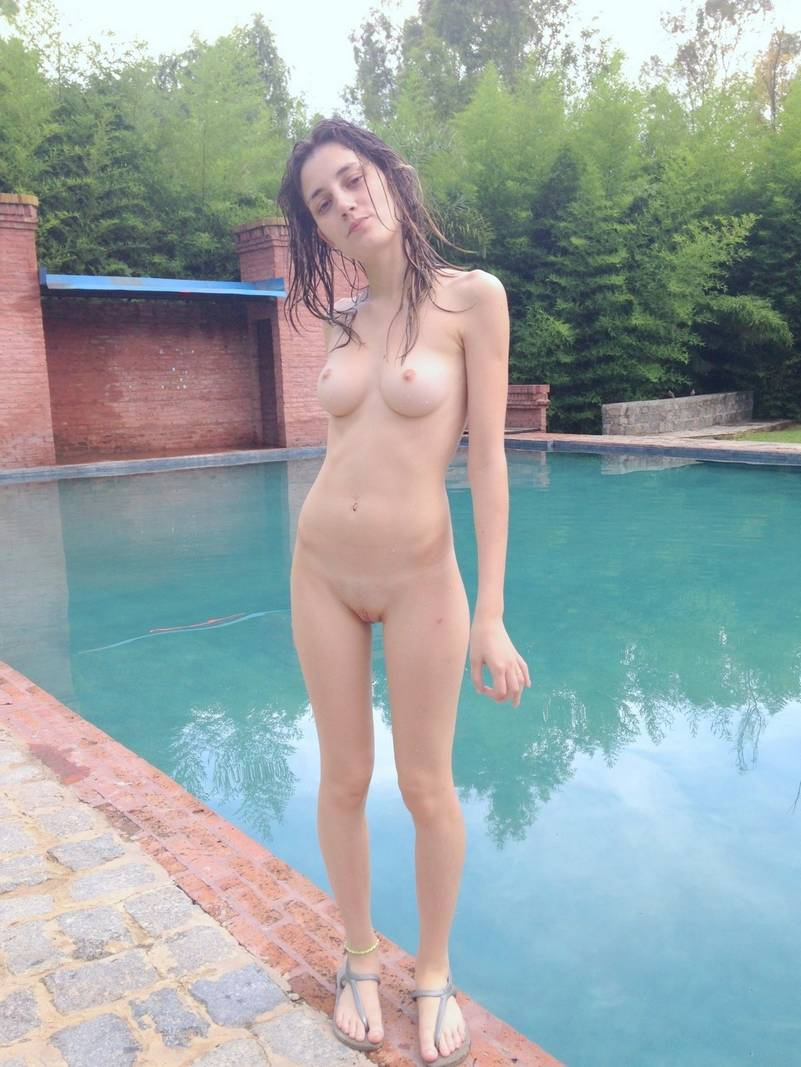 naked pool girls