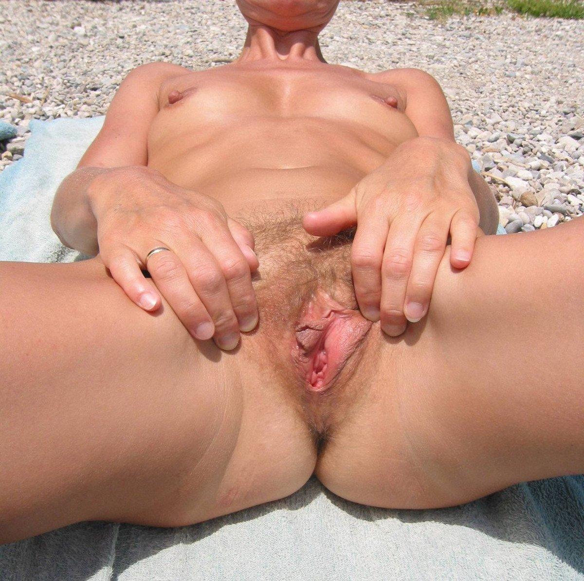Beach_Pussy_35