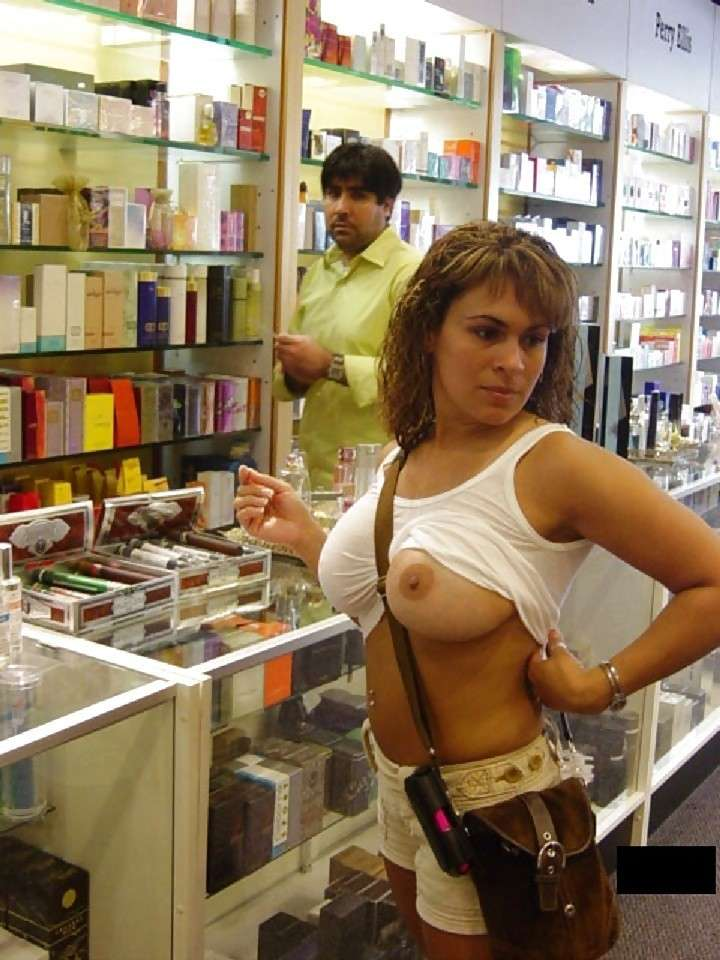 amatrice exhibe seins oops public (19)