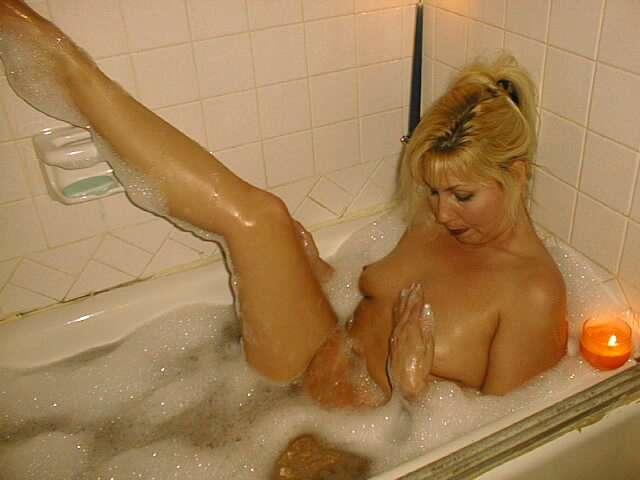 amatrice nue bain (15)