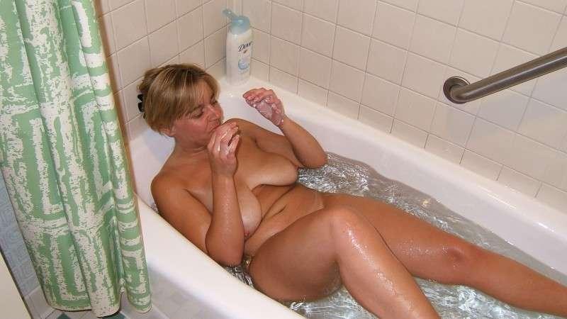 amatrice nue bain (20)