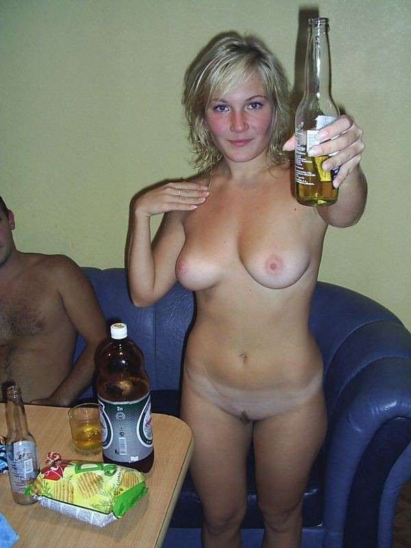 Topless beer bongs and hottub masturbating girl with perfect 3