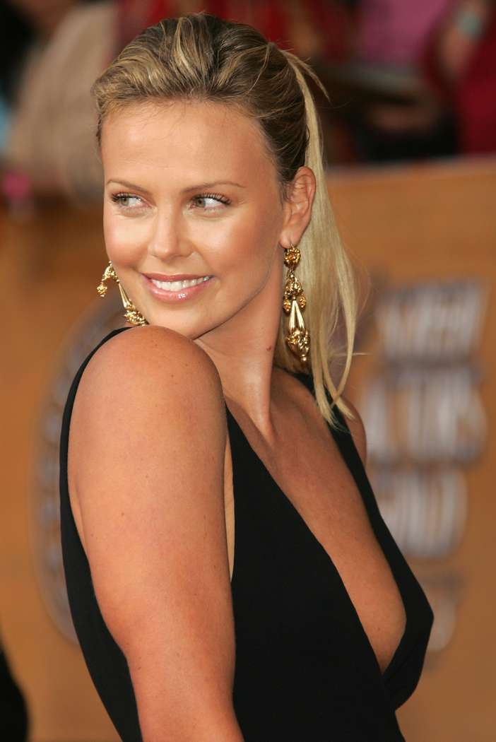 charlize theron non nue (11)
