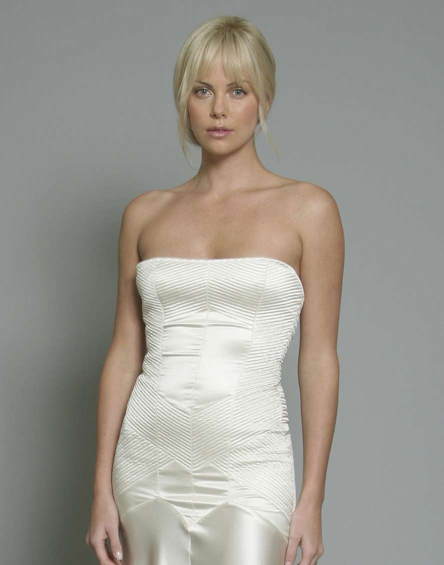 charlize theron non nue (18)