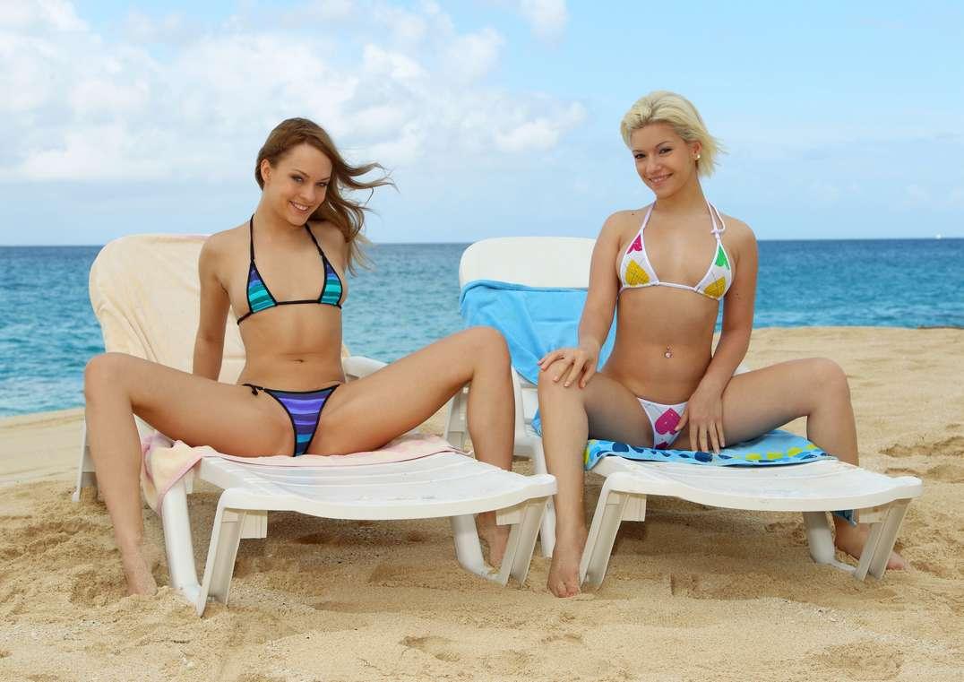 duo bikini nue (7)