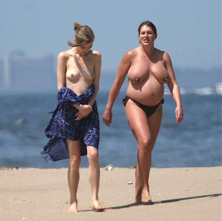 enceinte topless plage (4)