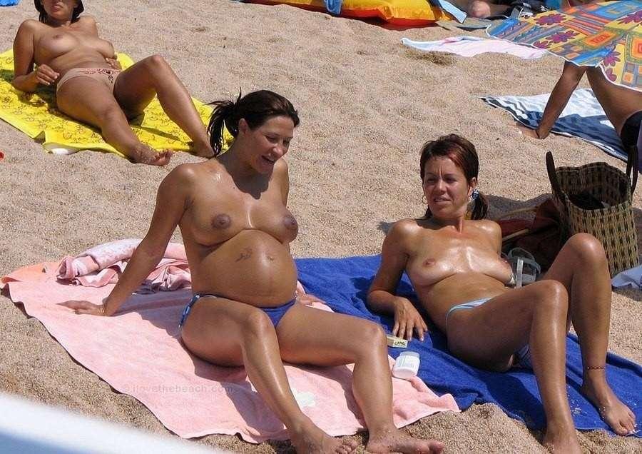 enceinte topless plage (9)