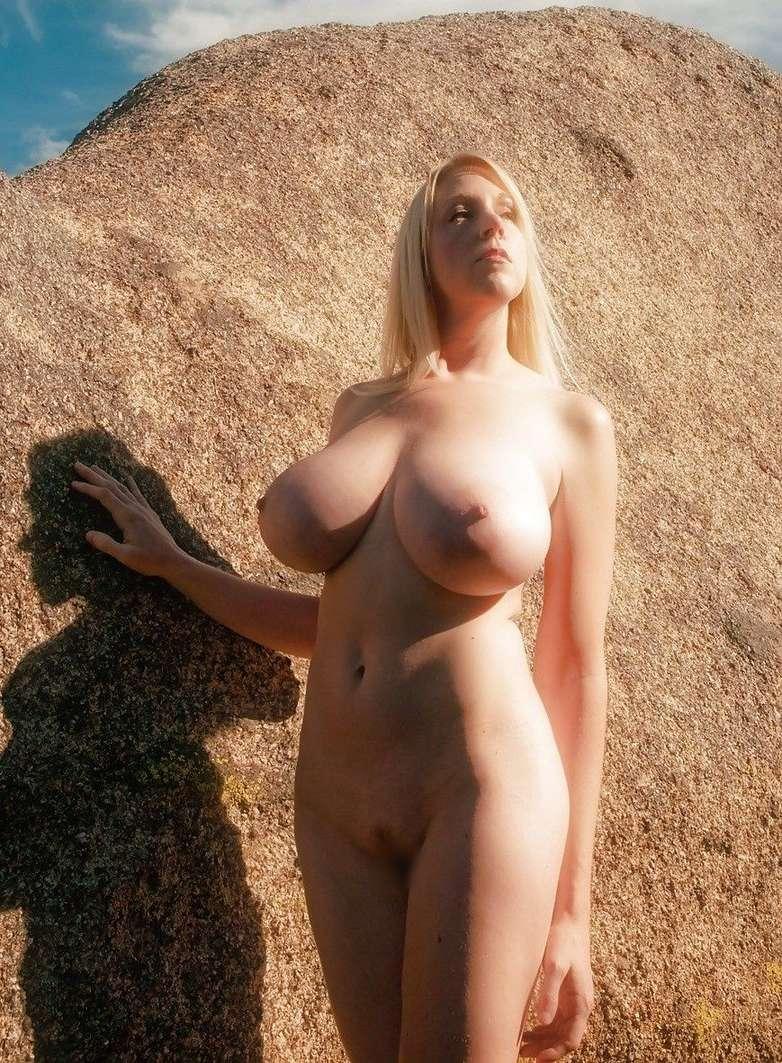 enormes seins naturels (11)