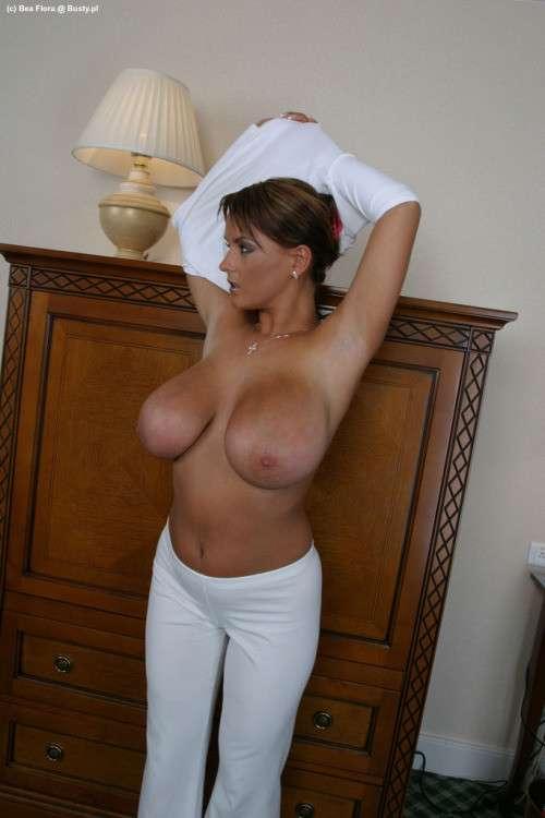 enormes seins naturels (2)