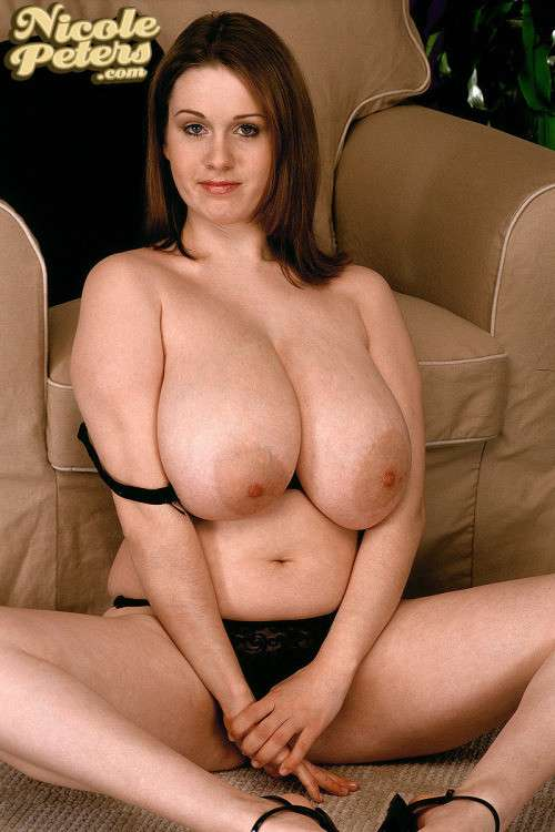 enormes seins naturels (23)