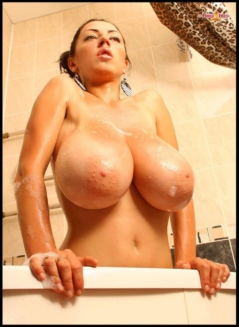 enormes seins naturels (6)